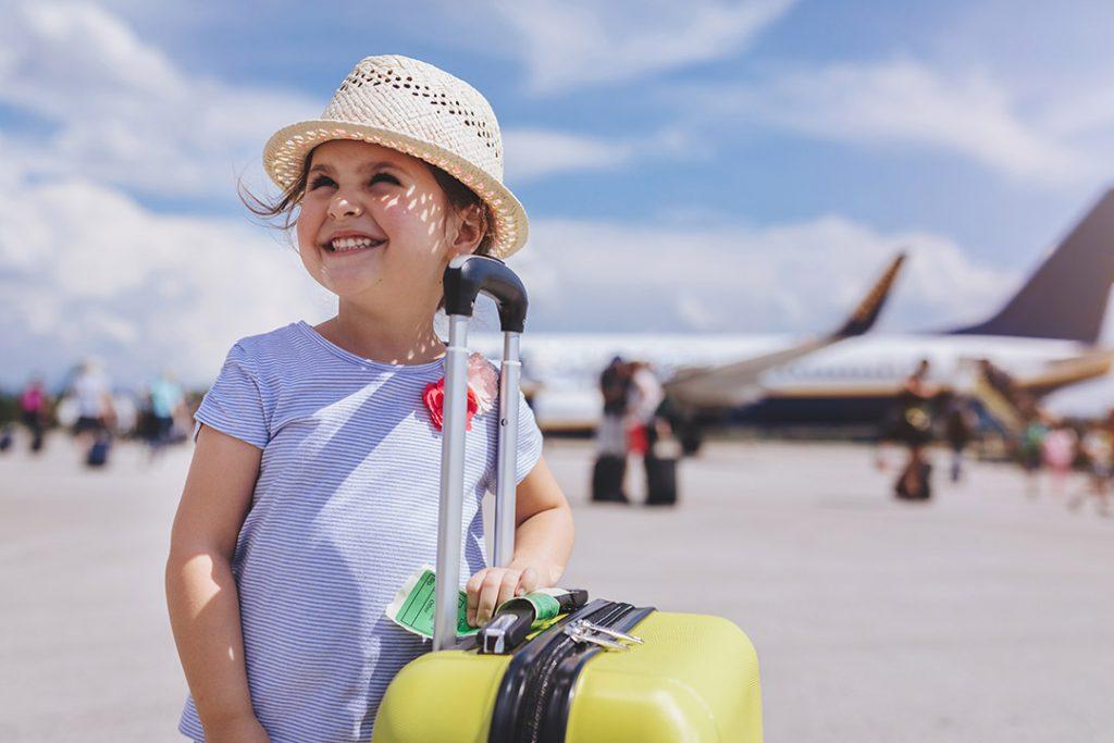 Autorização de viagem nacional para menores de 16 anos poderá ser feita online